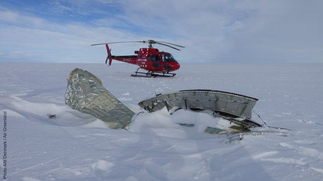 Debris-and-Air-Greenland-Helicopter.jpg