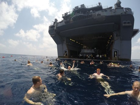 sailors-and-marines-from-the-uss-iwo-jima-enjoy-the-gulf-of-aden (1).jpg
